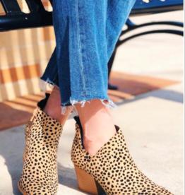 LA Shoes Tate Bootie CHEETAH