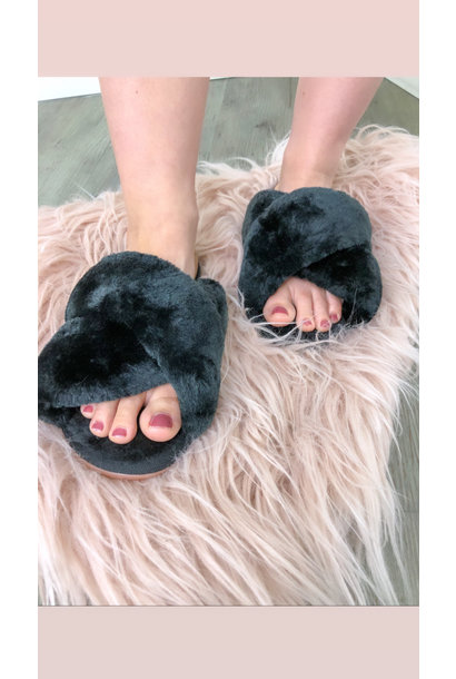 Cross Fuzzy Slippers BLK