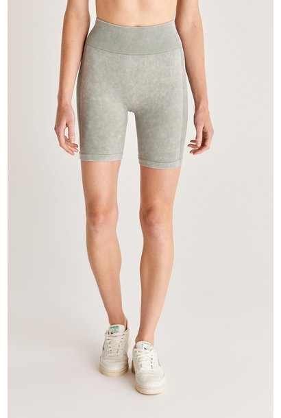 Dance It Out Seamless Short AGRN