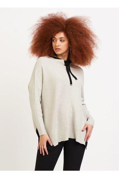 Contrast Trim Hooded Sweater OAT