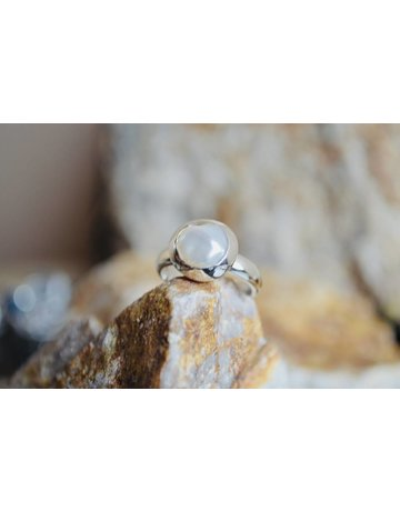 Pearl Ring - size 6