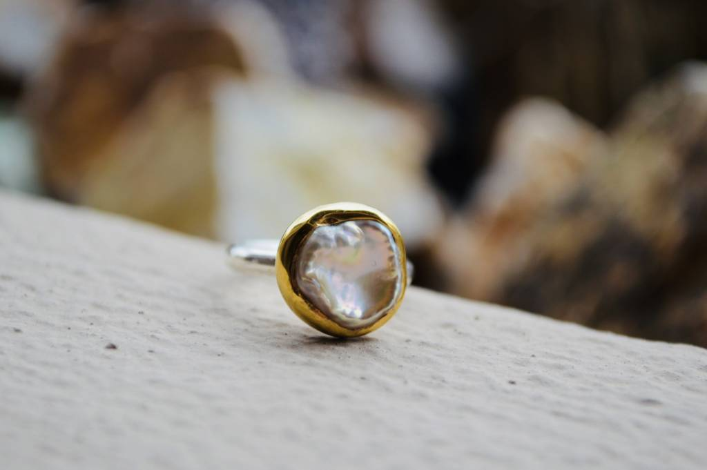 Pearl Ring w/gold - size 7