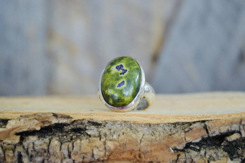 Stichtite Ring - size 8.5