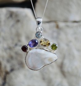 Pearl & multi stone Pendant