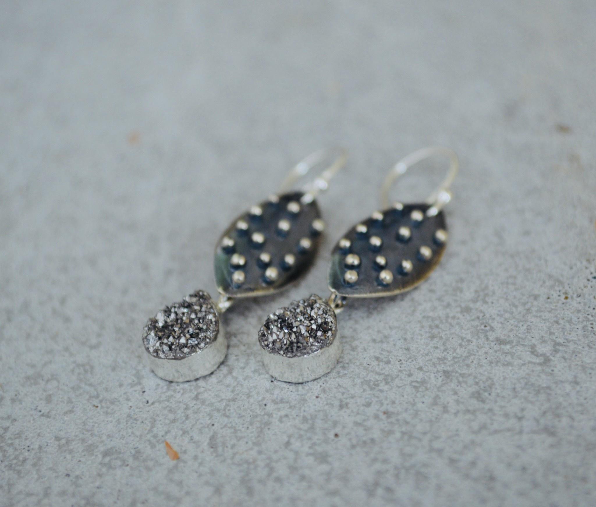Oxidized Nobby Drop Earrings - Druzy