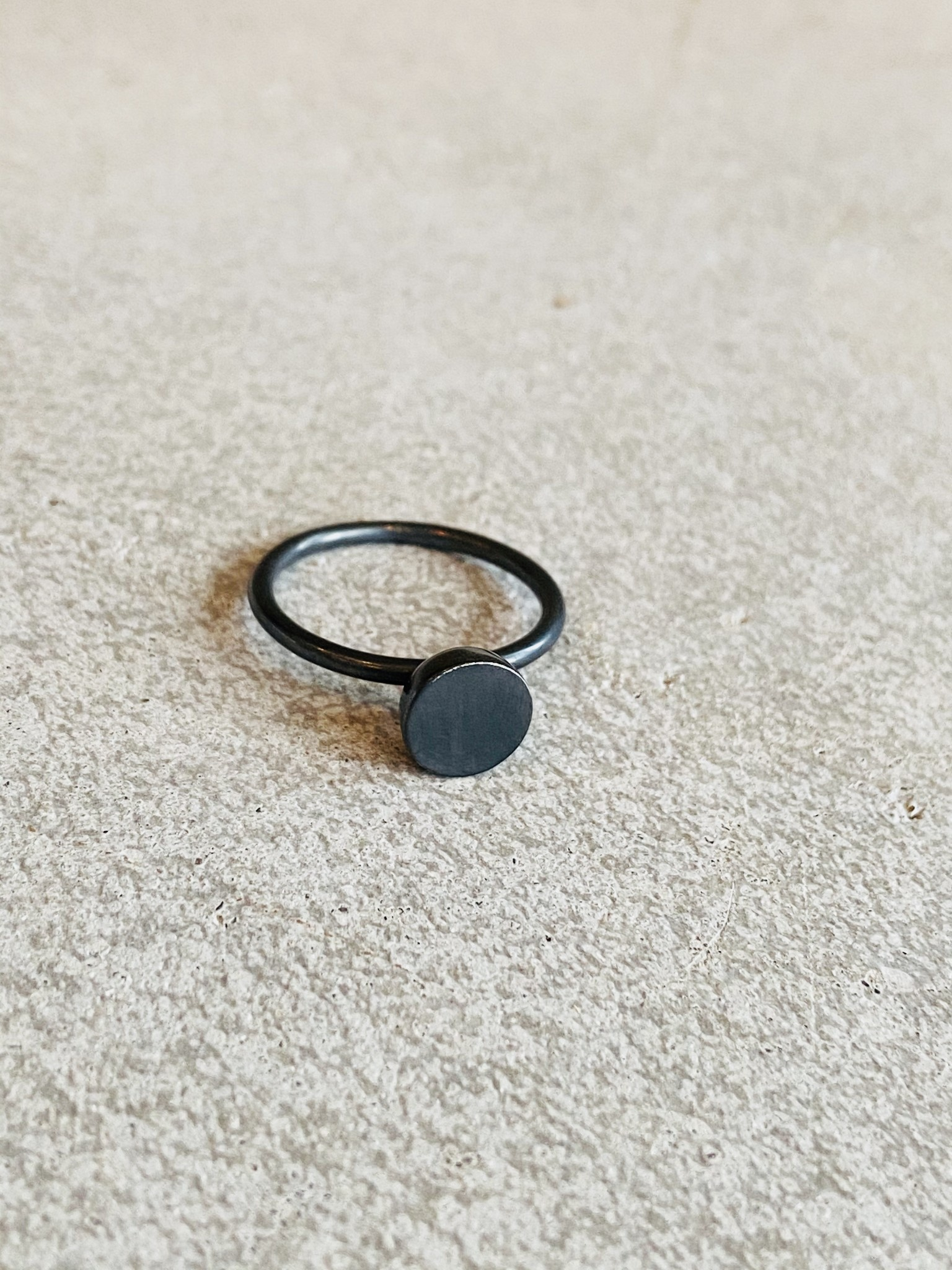 Black Rhodium Circle Ring - Size 7