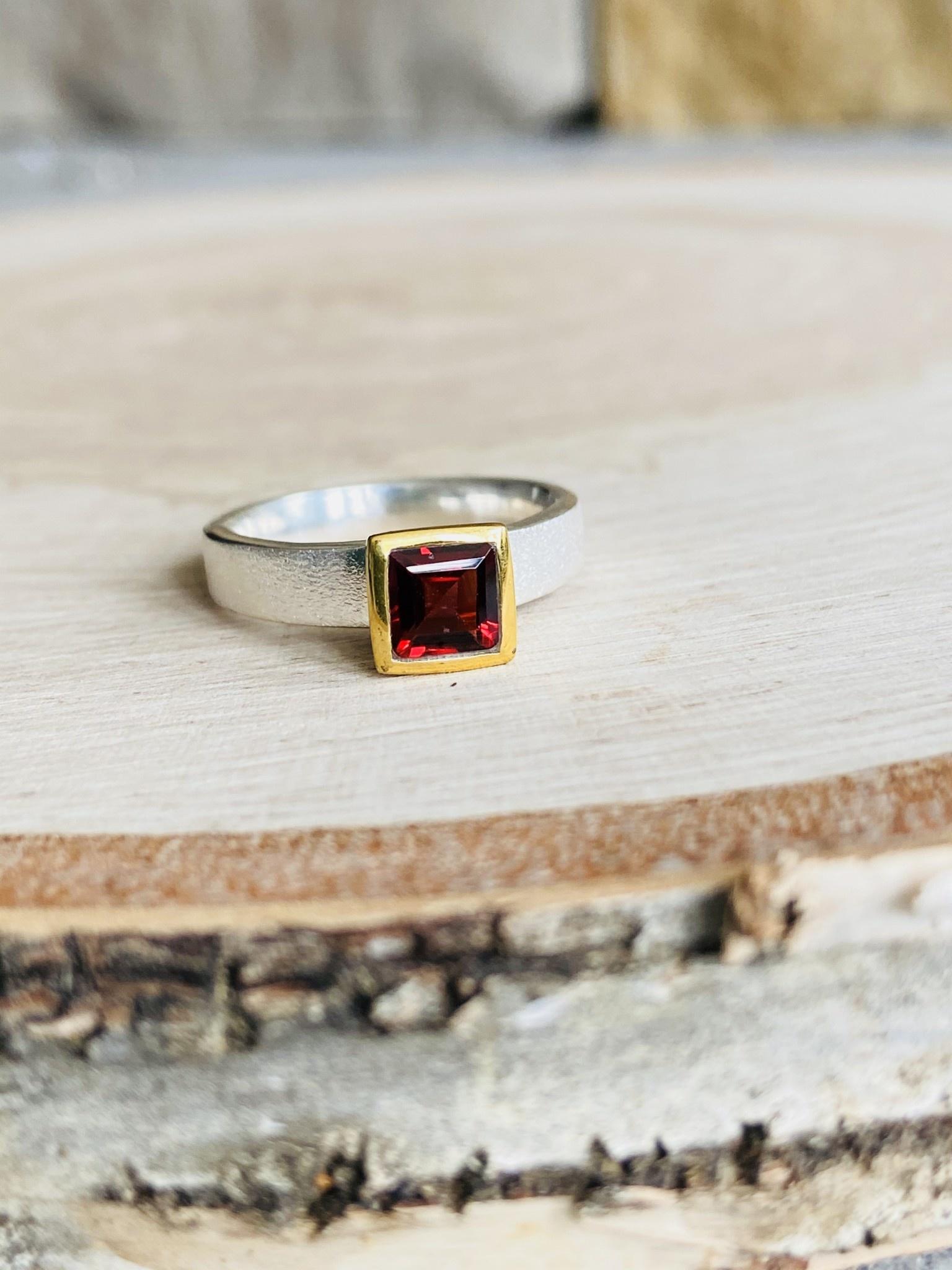 Brushed Silver Garnet Square Ring - Size 6