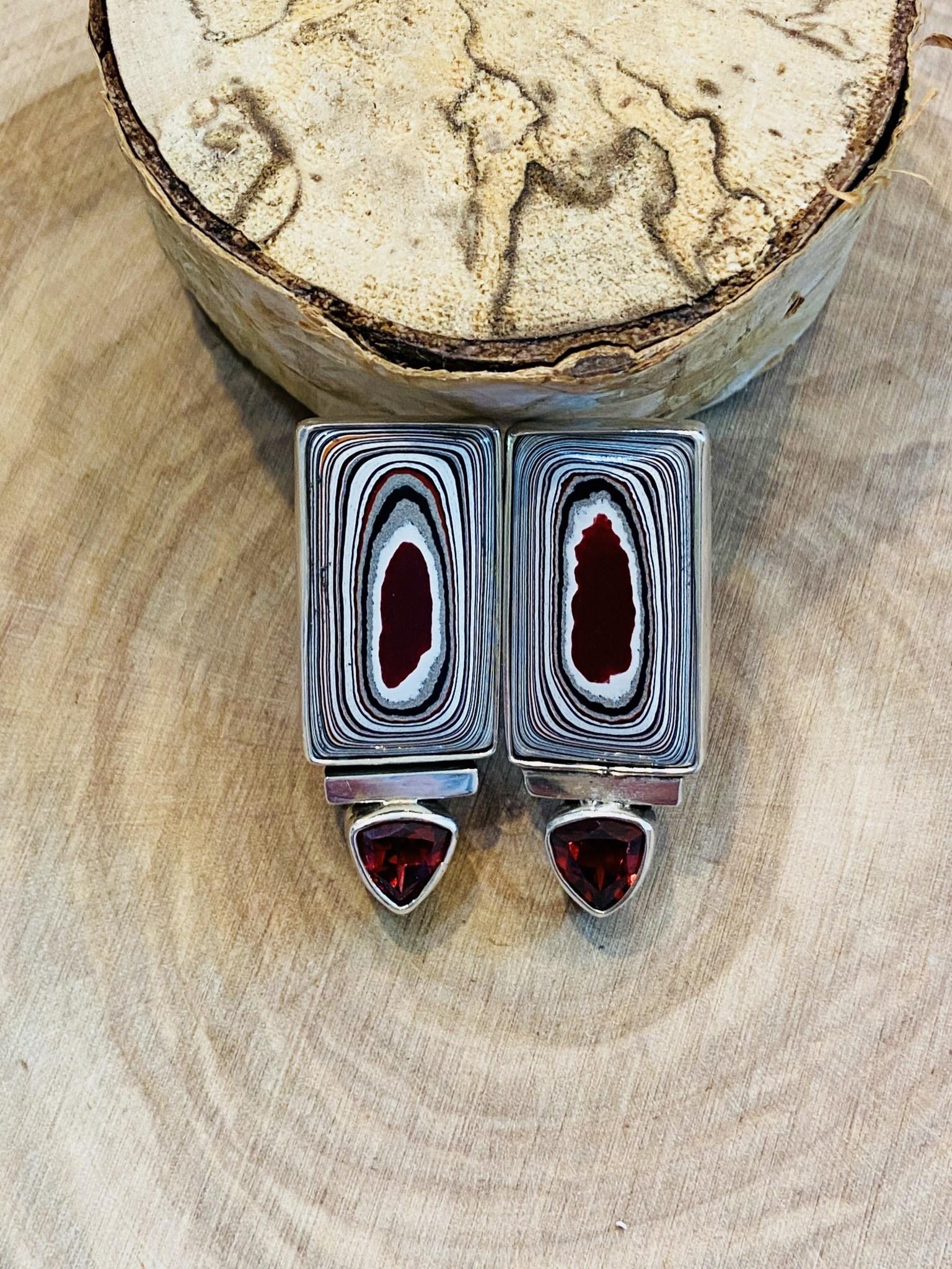 Fordite Earring w/garnet