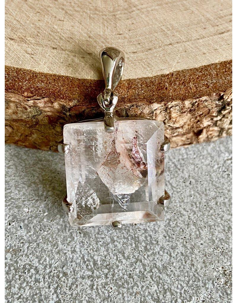 Square Quartz Crystal in Quartz