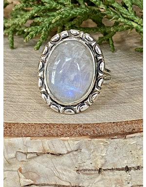 Oval Moonstone Ring - Size 7