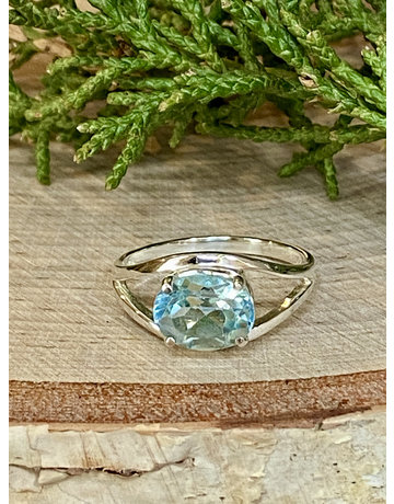 Blue Topaz Oval Ring - Size 7