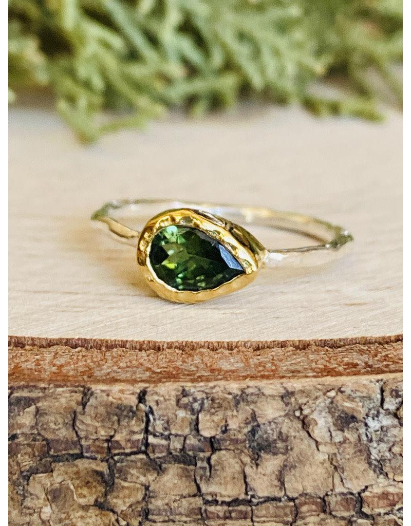 Peridot Teardrop Ring w/Hammered Gold Fill Bezel - Size 6