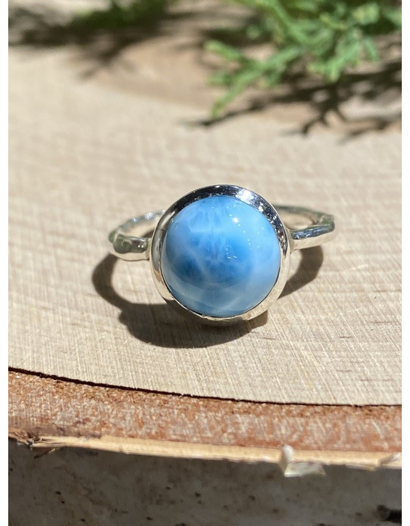 Round Larimar Sterling Ring with Textured Band Sz 8