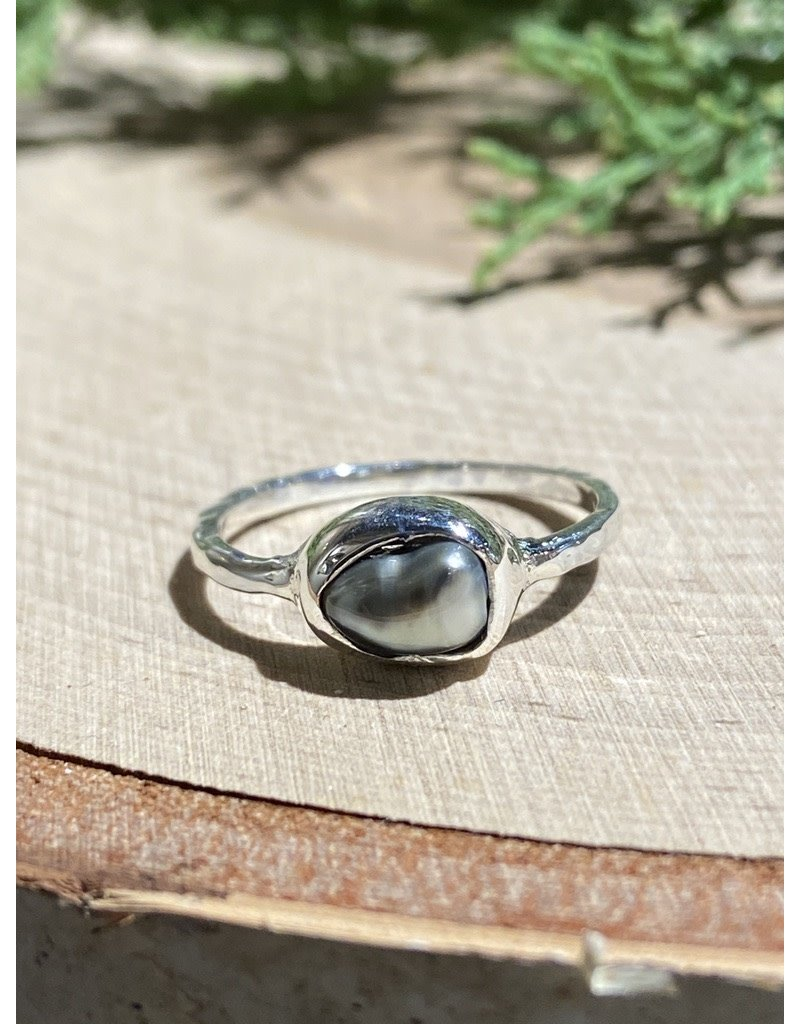 Gray Pearl Sterling Ring with Textured Band Sz 6
