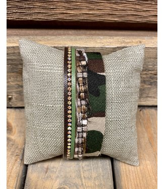Camo and Rhinestone Magnetic clasp Bracelet