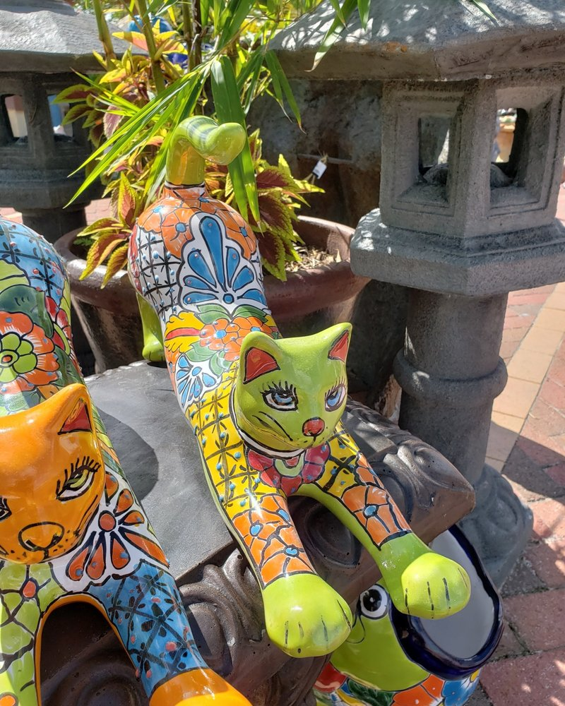 TALAVERA TALAVERA STRETCHING CAT LG