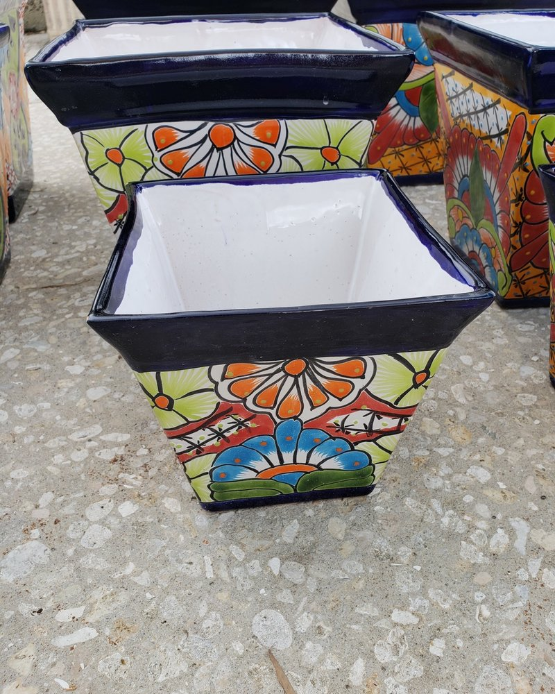 TALAVERA BIG PYRAMID PLANTER SM