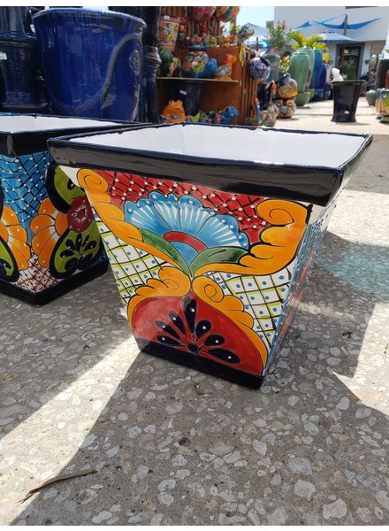 TALAVERA BIG PYRAMID PLANTER LG