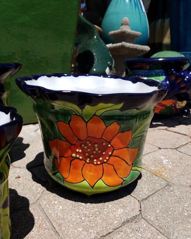 TALAVERA SCALLOPED PLANTER MD