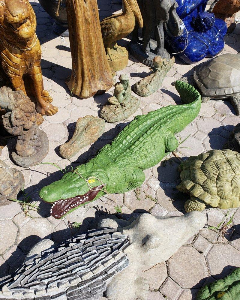 CARVED & CAST STONE SCULPTURE Lg Alligator Pnt LL