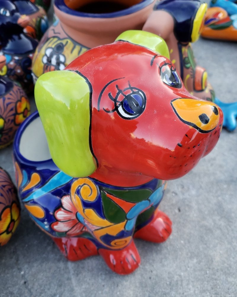 TALAVERA DOG PLANTER