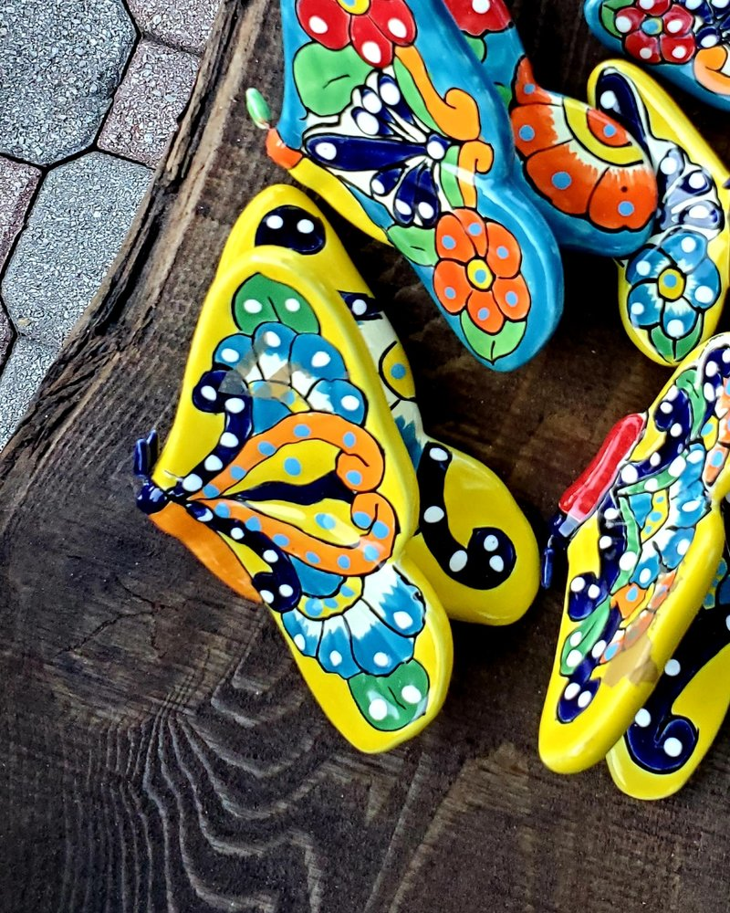 TALAVERA FLYING WALL BUTTERFLY LG