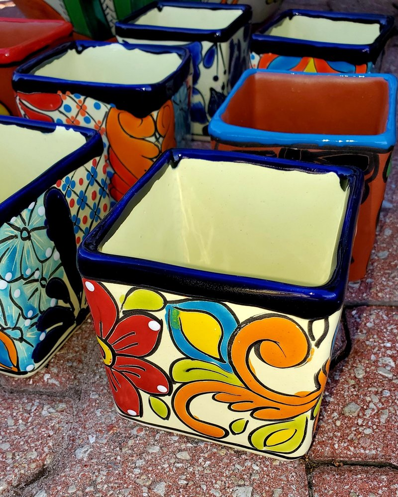 TALAVERA LITTLE CUBE PLANTER