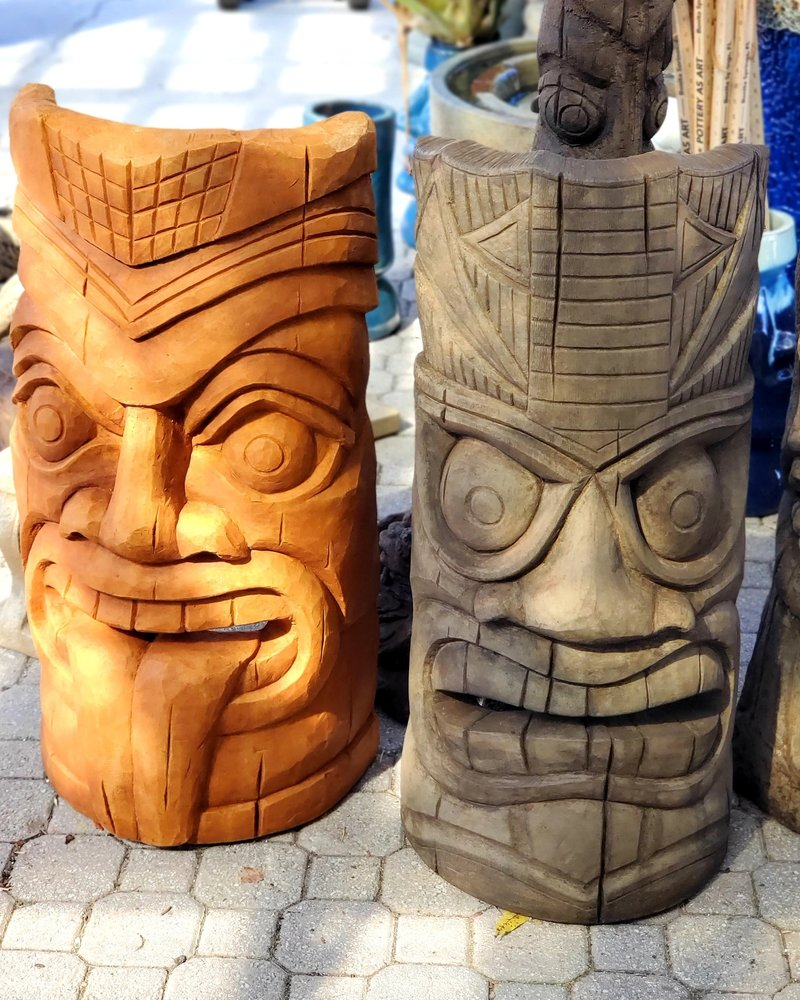 """CAST STONE 36"""" LAUGHING TONGUE TIKI FACE"""
