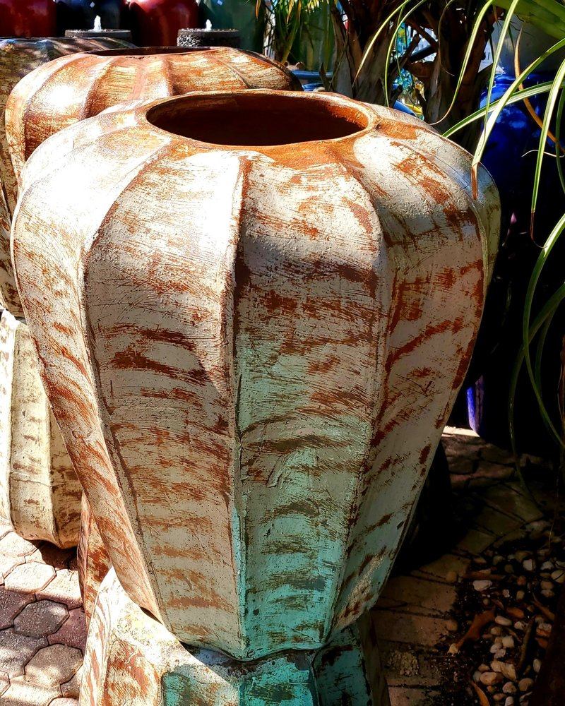 HIGH FIRED CERAMIC CLASSIC STARFRUIT URN