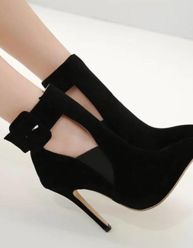 BellaNiecele Flock Buckle Strap Pointed Toe High Heels
