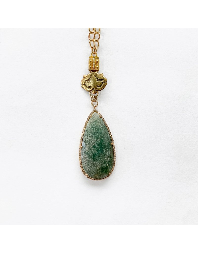 SENNOD Green Onyx Tear Vignette with Crystals