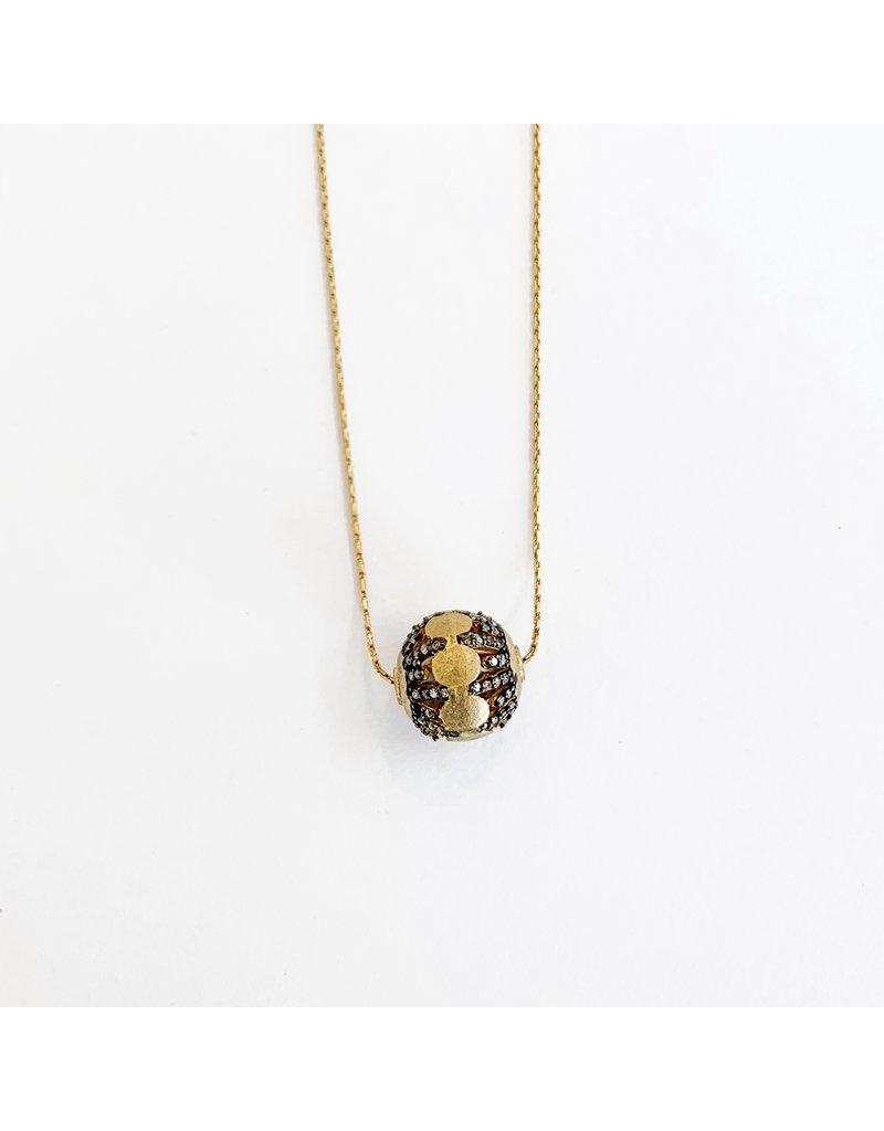 SENNOD Diamond Gun with Gold Bar Necklace