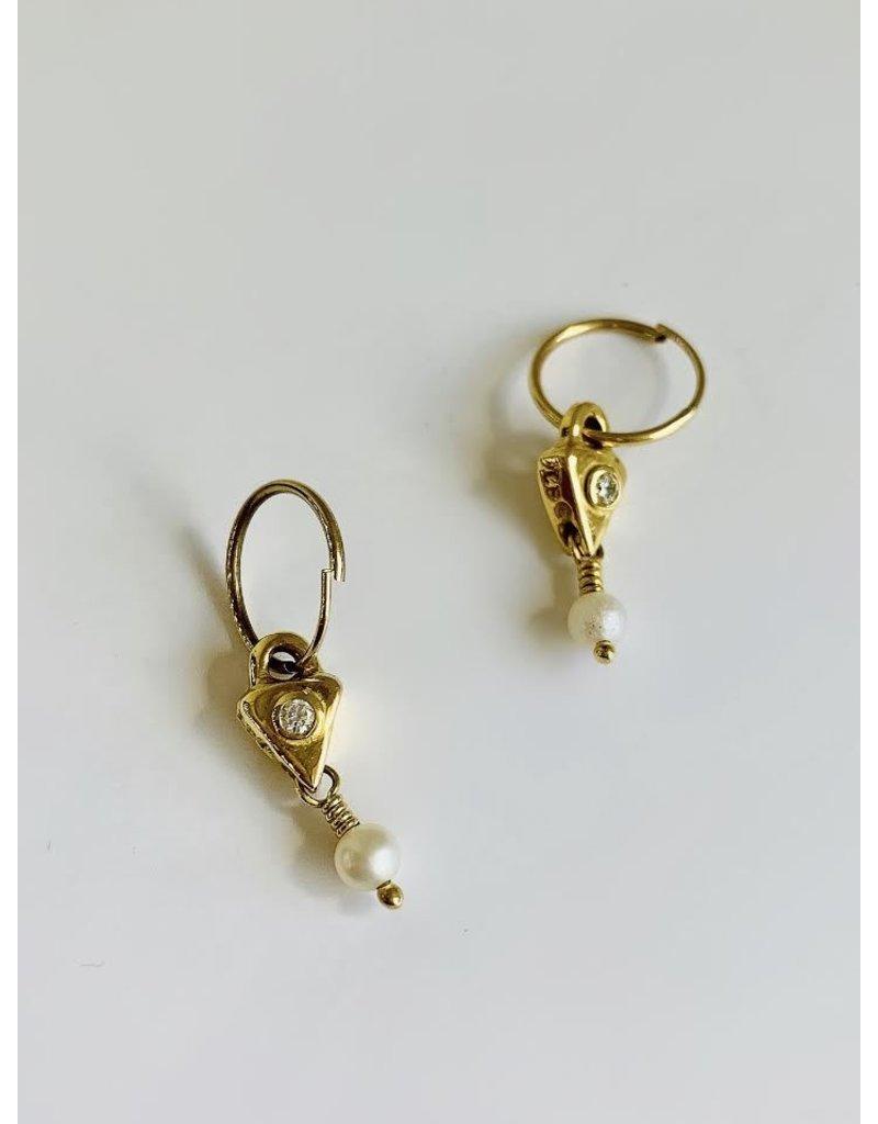 BREVARD 18k Triangle Drop w/ Pearl Earring