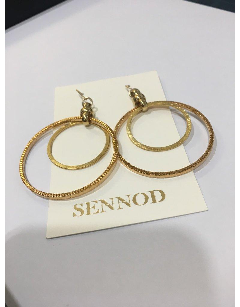 SENNOD Double Hoop w/ Figure 8 Earring - Gold