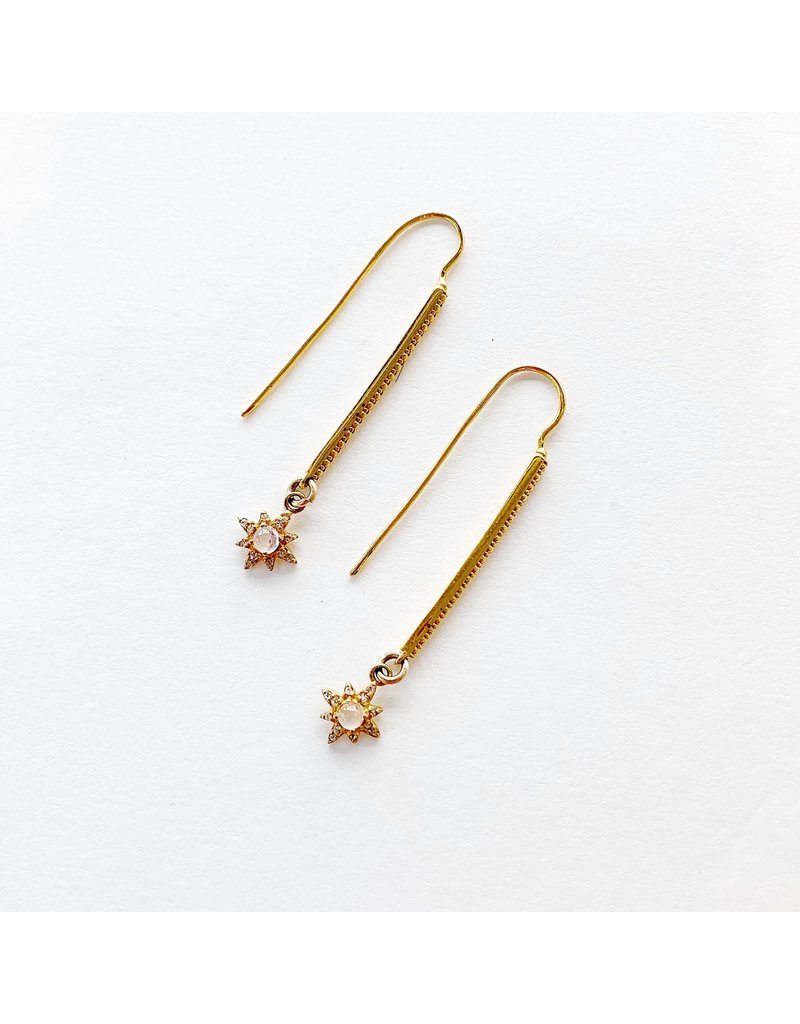 SENNOD Bitsy Bar Earrings with Moonstone & Diamond Stars