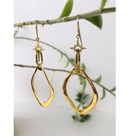 SENNOD Marquis w/ Diamond Cross Earrings - Gold