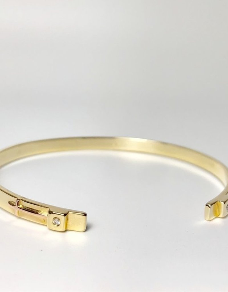 SHANNON JOHNSON Signature Gold Petite Cuff w/ Diamond