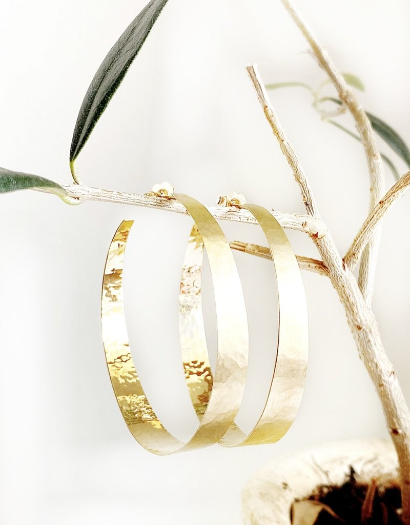 SHAESBY Medium Open Forged Gold Wide Hoops