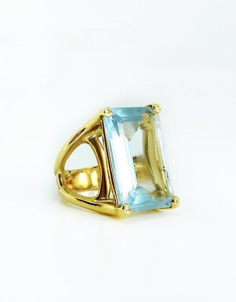 SHAESBY Emerald cut Aquamarine Ring