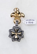 SENNOD French Diamond Maltese Cross Vignette