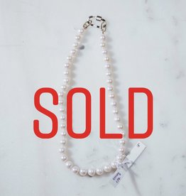 """SENNOD TRUNK SHOW 18"""" White Pearls with Enamel Carabiner Necklace"""