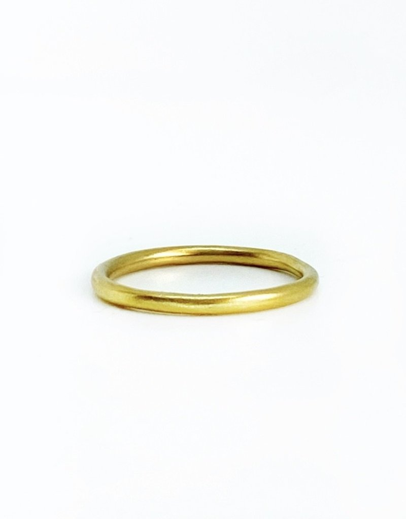 SHAESBY 18K Small Organic Rounded Band Ring