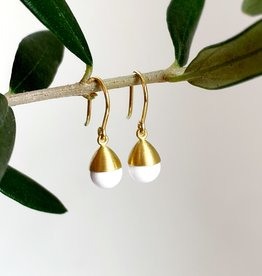 MALLARY MARKS Buoy - White Onyx & 18K Earrings