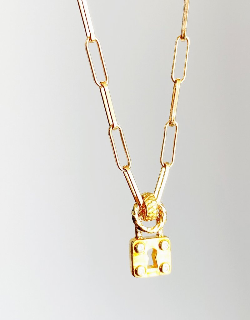 "SENNOD Diamond Roma Padlock on Paperclip Chain Necklace - 20"""
