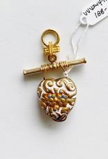 SENNOD Vintage Enamel White and Gold Heart Vignette