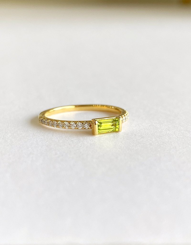 302 COLLECTION 14K Peridot Baguette and Diamond Ring 1/6CT