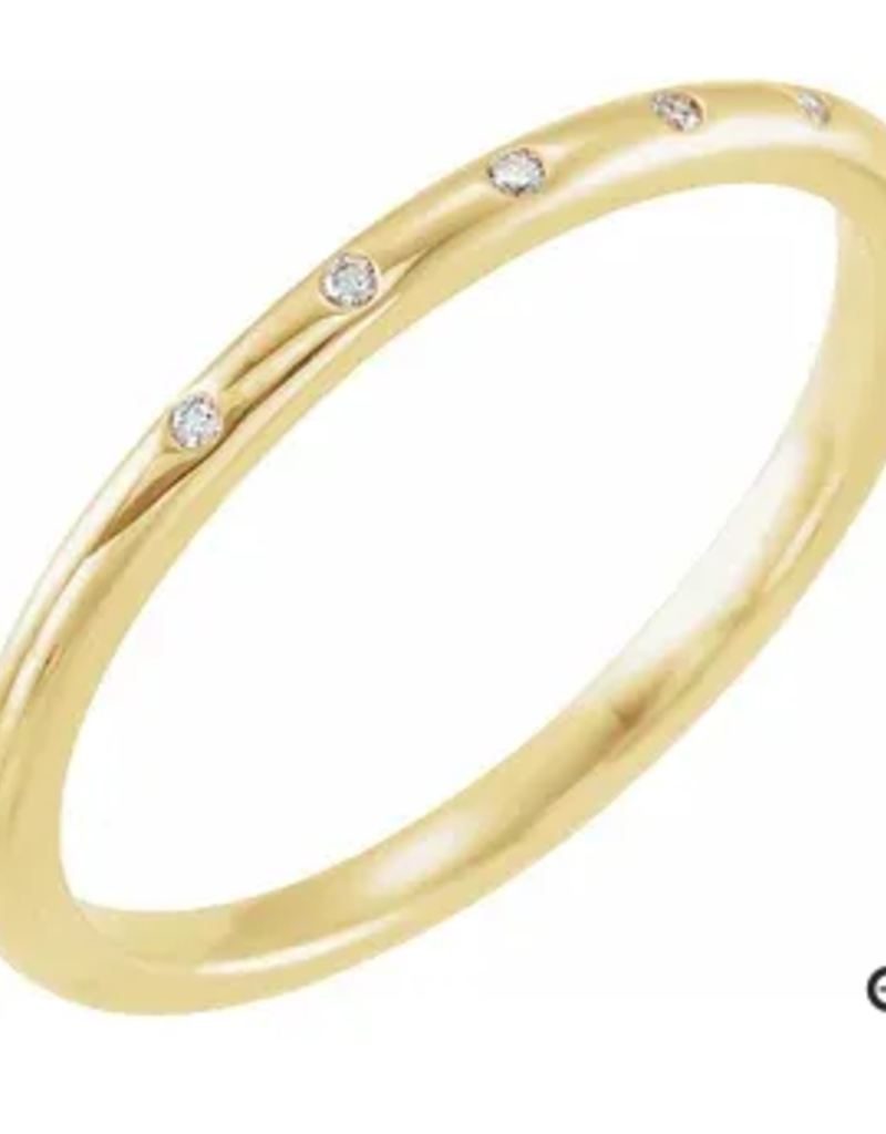 302 COLLECTION .02ct 5 Diamond 1mm Band Ring