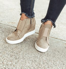 Mia Cristie Wedge