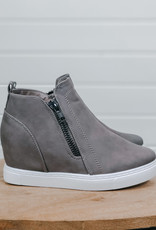 509 Broadway Wedge Sneaker