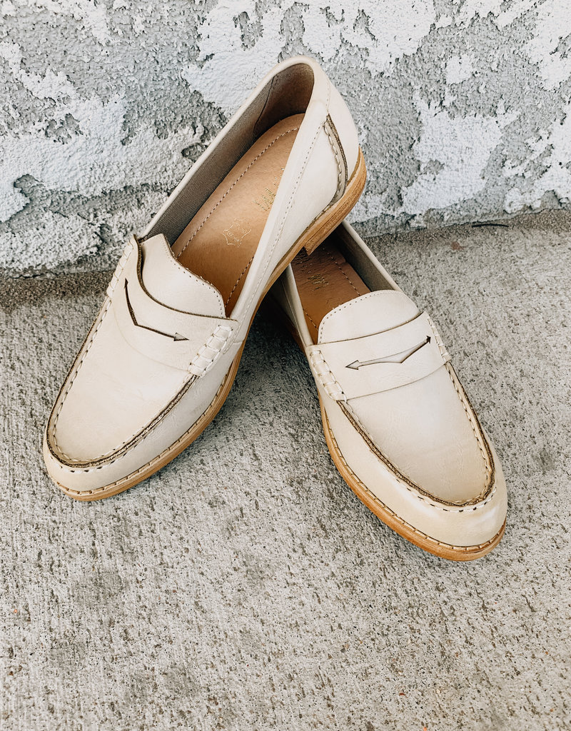 Mi.iM The Eris Bright Vintage Loafer